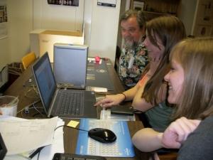 Taft Kiser visits the Virtual Curation Laboratory.