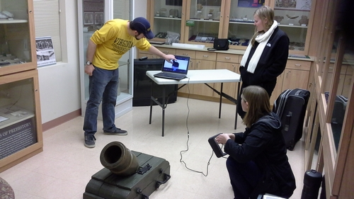 Rachael, Allen, and Lauren scanning the coehorn mortar.